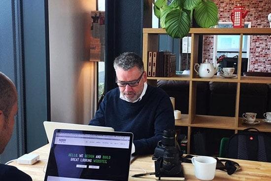 Ziferblat hacks and co-working communities