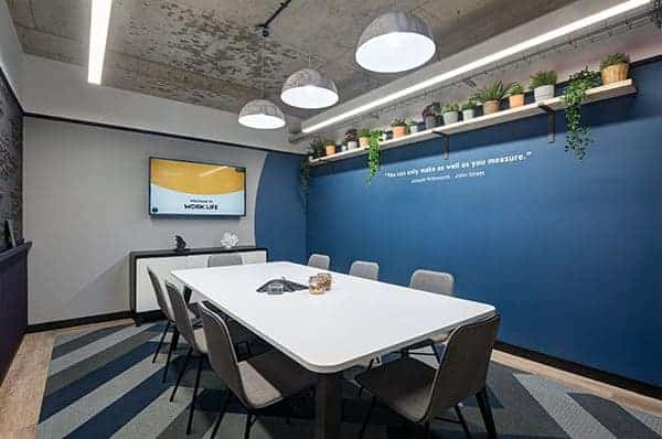 Worklife-freelance-co-working-space-meeting-room